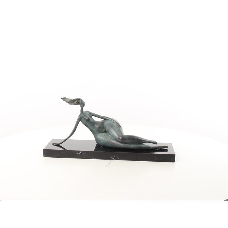 Abstract brons beeld liggende vrouw