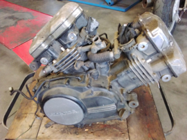 VF700C Magna V45 motorblok compleet €295,-