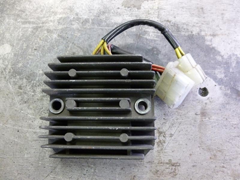 XL600V Transalp spanningsregelaar