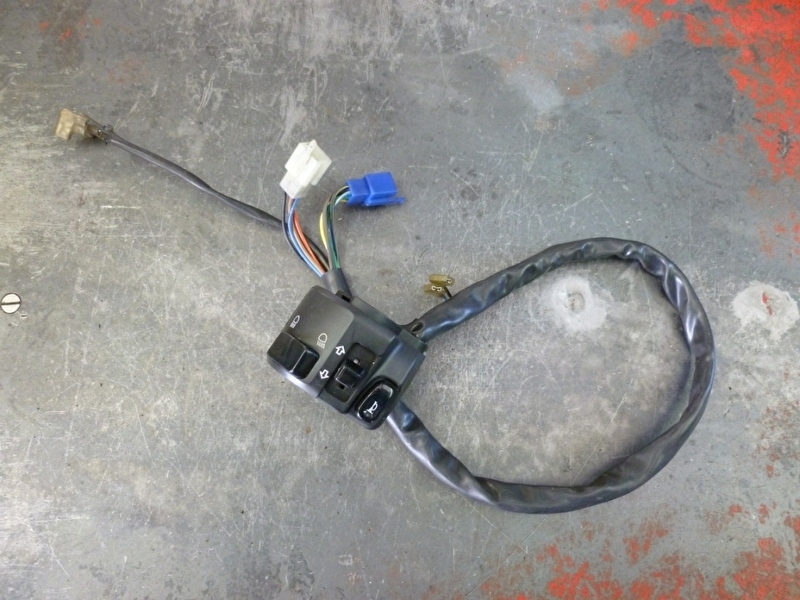 YZF-R1`98-`99 stuurschakelaar links