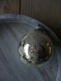 Oude kerstbal zilver 27
