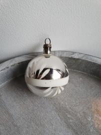Vintage kerstballetje zilver wit 16