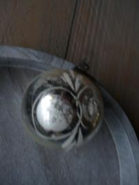 Oude kerstbal zilver, 7
