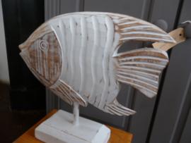 Grote houten vis op voet