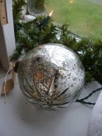 Zilveren kerst bal Groot