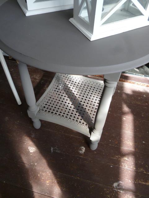 Brocante tafeltje grijs