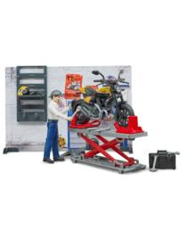 Werkplaats voor motoren / motorwerkplaats