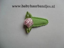 2 cm baby klikklak speldjes groen met bloemetje.