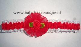 Voor de allerkleinste rode roezelhaarband met roosje.
