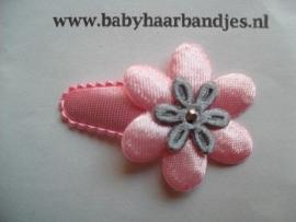 3 cm baby haar knipje roze/grijs bloemetje.