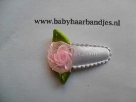 3 cm baby haar knipje met roze roosje.