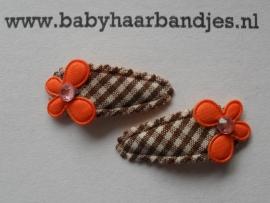 2 cm baby klikklak speldje bruin geruit met  vlindertjes .