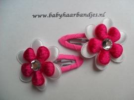 5 cm klikklak speldjes fuchsia met bloem.