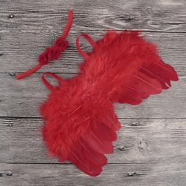 Rode engelen vleugels met bijpassend haarbandje.