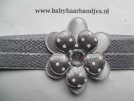 Voor de allerkleinste grijs baby haarbandje met bloem.