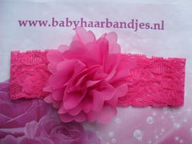 Kanten fuchsia baby haarband met toef.