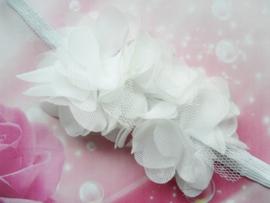 Super smal wit baby haarbandje 3 bloemetjes.
