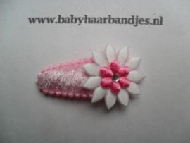 3 cm haar knipje roze met wit/roze bloemetje.