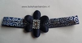 Voor de allerkleinste donkerblauw/zilveren barok haarband met bloem.