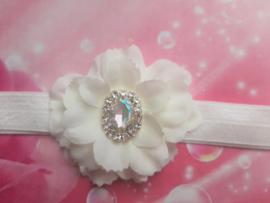 Smalle witte baby haarband met bloem en strass.