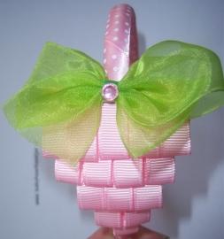 Smalle roze diadeem met aardbei.