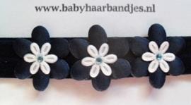 Voor de allerkleinste donker blauw haarbandje met 3 bloemetjes.