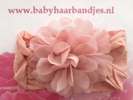 Super zacht oud roze Nylon baby haarband met chiffon toef.