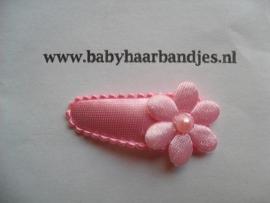 3 cm baby haar knipje roze bloemetje.