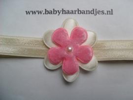 Voor de allerkleinste ecru haarbandje met bloem.