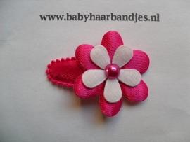 3 cm baby haar knipje fuchsia met bloemetje.