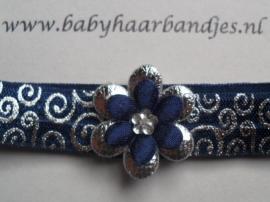 Voor de allerkleinste blauwe barok haarband met bloemetje.