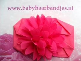 Brede fuchsia nylon baby haarband met  chiffon toef.