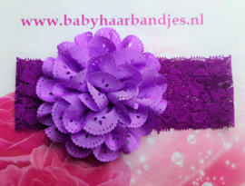 Kanten paarse baby haarband met bloem.