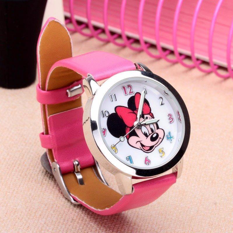 Mini Mouse Horloge met donker roze band.