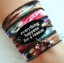 Wikkelarmband zijde inspiratie armband gegraveerd ,Everything happens for a reason #166