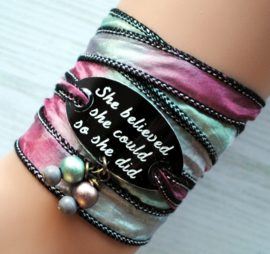 Wikkelarmband zijde inspiratie armband gegraveerd ,She believed she could so she did #167