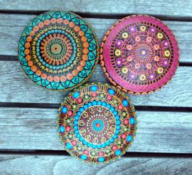 Dot art mandala steen roze, oranje met  koperaccenten