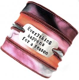 Boho zijden wikkelarmband EVERYTHING HAPPENS FOR A REASON