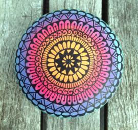 Mandala steen ombre met henna design in zwart