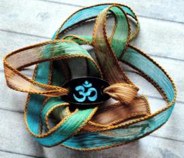 Wikkelarmband crinkle zijde yoga armband gegraveerd Ohm #161