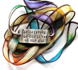 Boho zijden wikkelarmband tie dye SHE BELIEVED SHE COULD SO SHE DID