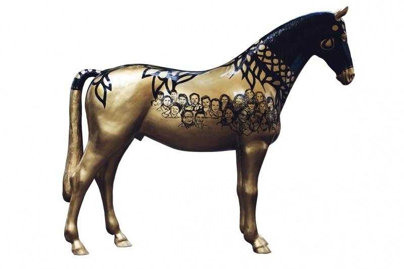 Kunstpaard by Loeviera