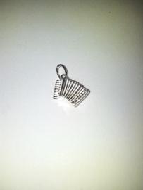 zilveren bedel accordeon 10.03395