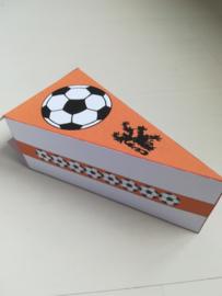 Voetbal taart oranje