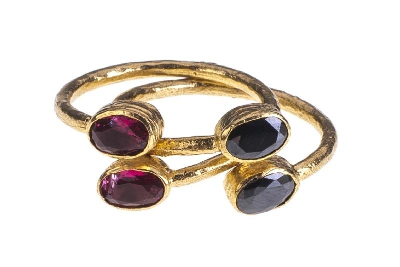 Ring Nefertiti Onyx  & Red Quartz handmade