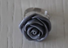ring roosje, grijs