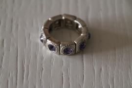 ring met steentjes paars