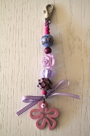 handgemaakte tas-/sleutelhanger paars/roze