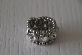 ring met steentjes zilverkleurig