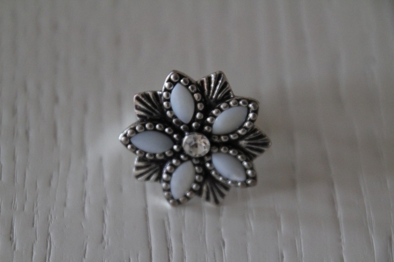 ring met bloem